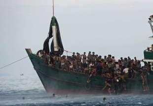 Boat carrying Rohingya Muslims sinks off Bangladesh, 12 dead