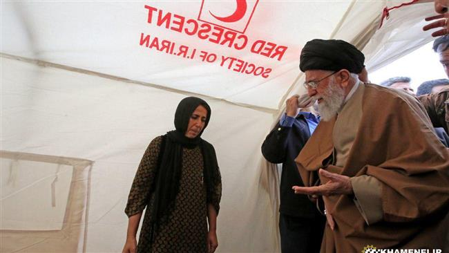 Supreme Leader visits quake-stricken Kermanshah Province