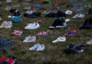 Activists arrange 7'000 shoes on Capitol Hill (photo)
