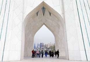 Azadi Tower welcomes tourists during Nowrouz holiday (photo)