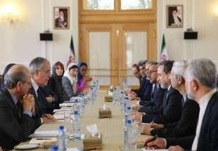France, Iran officials sit at talks over N-deal (Photo)