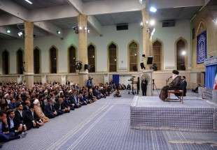 Leader of the Islamic Revolution addressing Iranian parliamentarians (Photo)