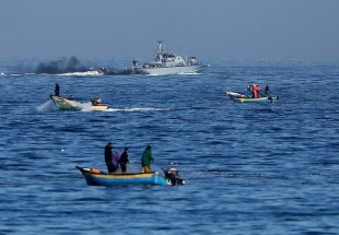 Israeli forces target Palestinian boats attempting to break Gaza siege