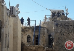 Israel settlers storm Palestinian homes in Hebron