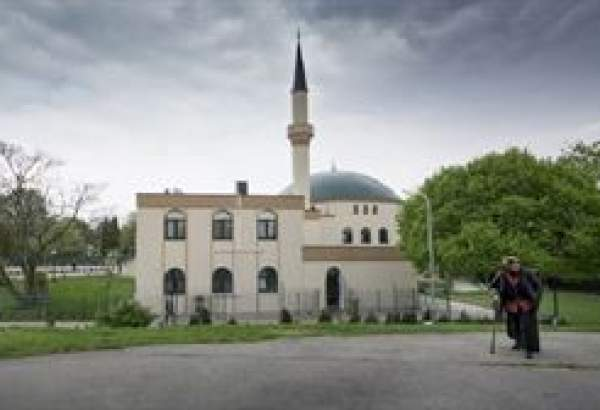 Austrian court axes decision to shut down mosques