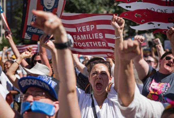 US protesters rally against Trump's anti-immigration policies