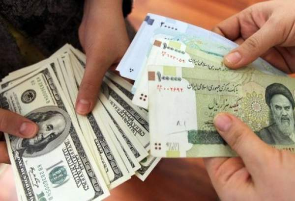 Iran slams plots for devaluing national currency
