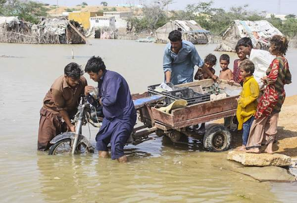 Climate change triggers widespread Pakistan migration