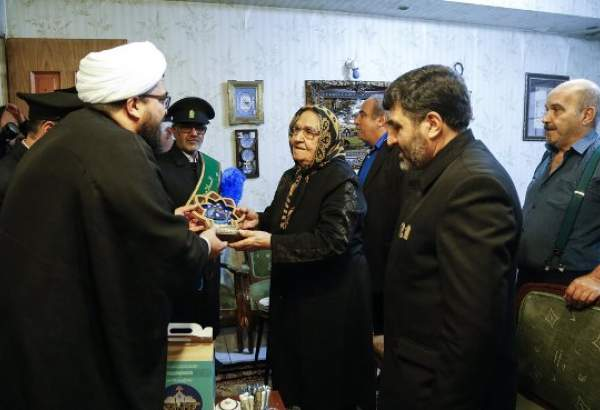 "Jamkaran Mosque staffs, Muslim clerics meet families of Armenian martyrs on New Year's Eve (photo)  <img src=""/images/picture_icon.png"" width=""13"" height=""13"" border=""0"" align=""top"">"