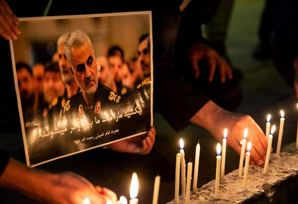 People in Tehran mourn, hold vigil for assassinated General Qassim Soleimani (photo)