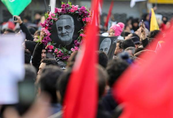 "People in Mashhad bid farewell with General Qassem Soleimani (photo)  <img src=""/images/picture_icon.png"" width=""13"" height=""13"" border=""0"" align=""top"">"