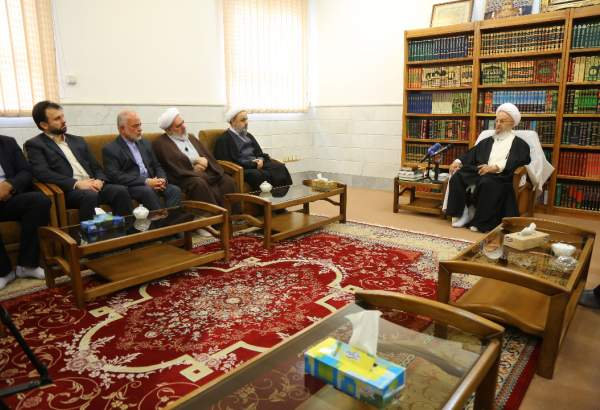 "Hujjat-ul-Islam Shahriari meets top cleric Ayatollah Makarem in Qom (photo)  <img src=""/images/picture_icon.png"" width=""13"" height=""13"" border=""0"" align=""top"">"