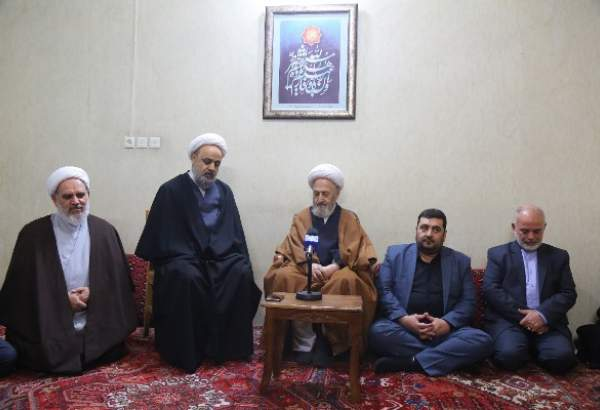 "Hujjat-ul-Islam Shahriari meets Ayatollah Sobhani in Qom (photo)  <img src=""/images/picture_icon.png"" width=""13"" height=""13"" border=""0"" align=""top"">"