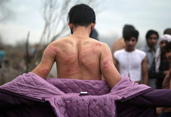 Greek forces beat asylum seekers and take their clothes off at the border