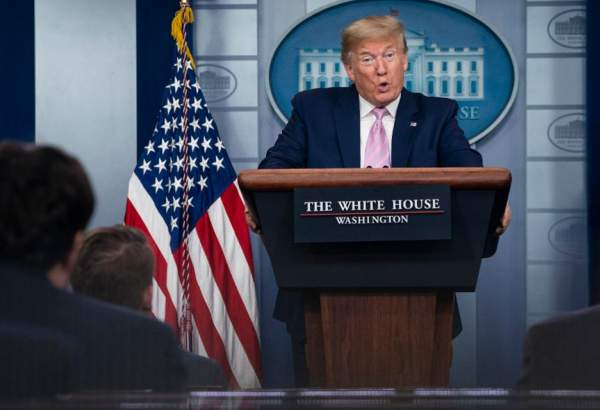 White House infighting as Trump suggests medicine for COVID-19