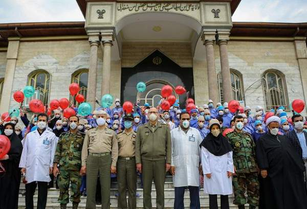 Iran's armed forces pay tribute to healthcare workers battling coronavirus pandemic (photo)