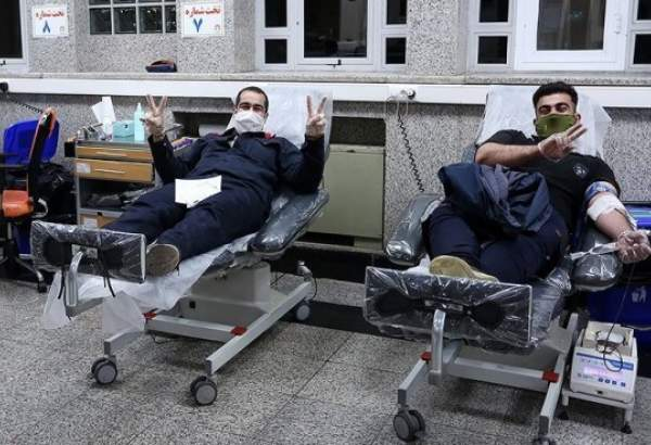 Iranians donate blood on first day of Ramadan (photo)