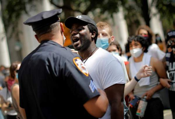 Anti-racism protests continue across US (photo)