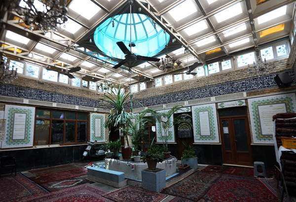 "Malak Abad Mosque in Tehran (photo)  <img src=""/images/picture_icon.png"" width=""13"" height=""13"" border=""0"" align=""top"">"