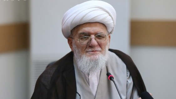 Ayatollah Taskhiri, Shia cleric with command of Sunni Fiq