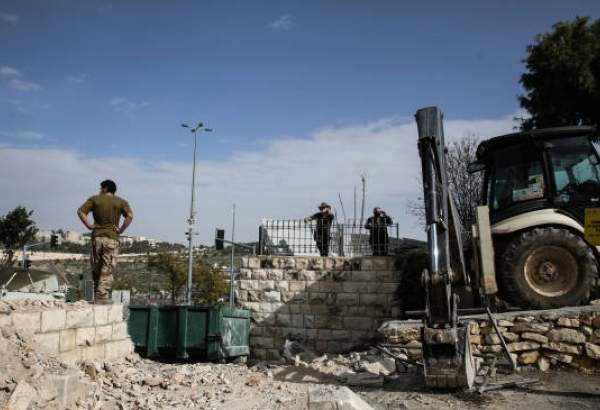 "Israeli municipality destroys al-Yousefiya cemetery in Jerusalem al-Quds (photo)  <img src=""/images/picture_icon.png"" width=""13"" height=""13"" border=""0"" align=""top"">"