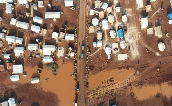 Syrian refugee camp engulfed in water following heavy rain (photo)
